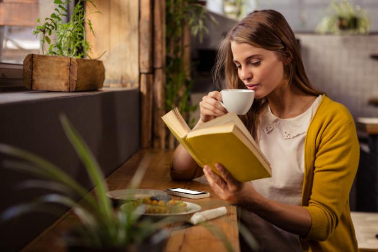 Đọc sách giúp bạn giải stress